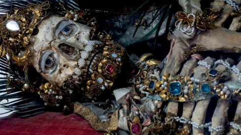 jewelledskeletons_03