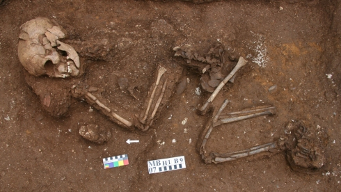 Man Bac Burial 9 in situ